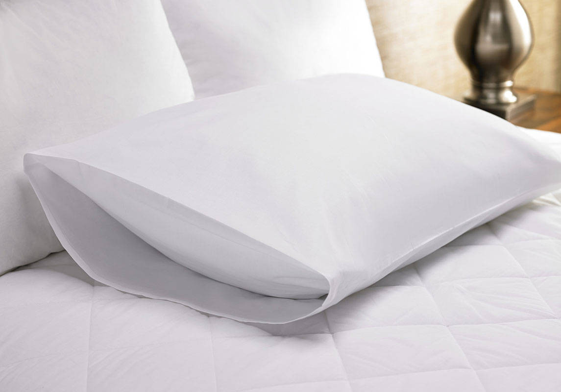 heavenly exclusive pillow pillows first delta class in customers launches flight for westin blanket